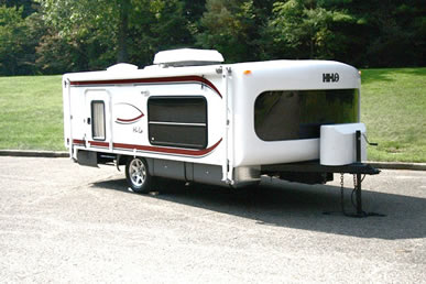 Hilo Travel Trailer http://camping-trailers.com/Hilo18-travel-trailer.htm